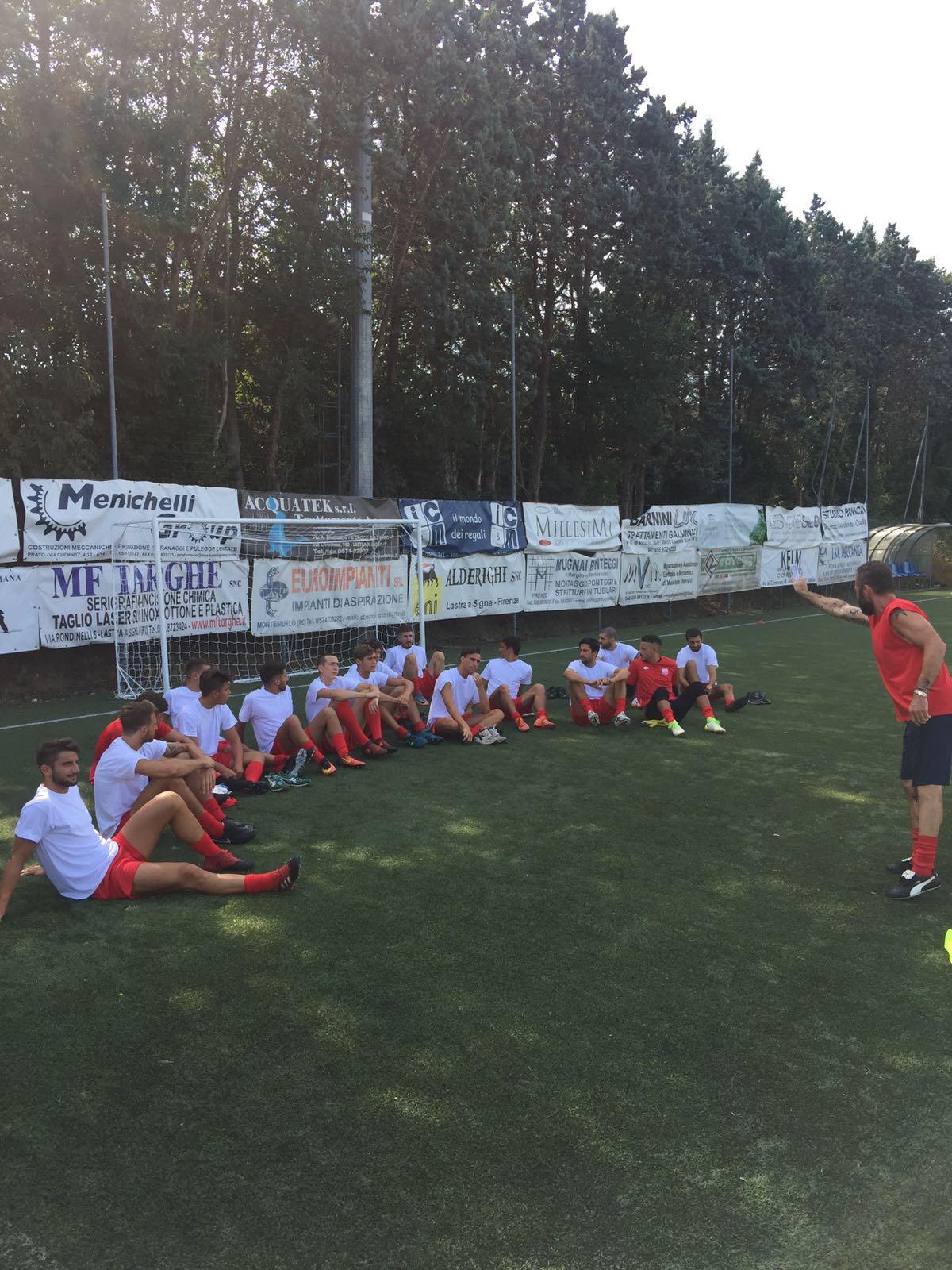 Finalmente si riparte!! Agli ordini di mister Marco Ghizzani il nuovo gruppo che affronterà il campionato di eccellenza!!! FORZA RAGAZZI!!!